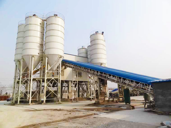 cement silos in batching plant